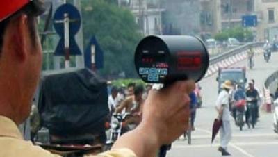 Các mức phạt với hành vi chạy quá tốc độ trên đường cao tốc - Luật Trung Kiên