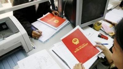 Quy định về ghi tên trong Sổ đỏ khi đất là tài sản chung - Luật Trung Kiên